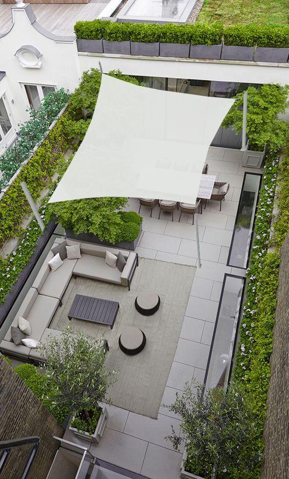 voile ombrage sur terrace avec poteaux